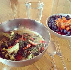 spinach & brokkoli stew with cherry tomatos and carrots. mustard and pepper used for seasoning only. blueberries, redcurrant and apricots for starter.