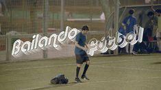 """Los hombres dicen que no saben bailar, que sólo saben jugar al fútbol. Pero se equivocan. SI SABEN JUGAR, SABEN BAILAR. #bailandofutbol Nueva campaña de """"Si ..."""