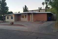 8142 E 8th St, Tucson, AZ 85710