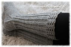 Prinsessajuttu: Villasukat ja Silverjunglen vaatteita Stocking Tights, Knee High Socks, Boot Cuffs, Knitting Socks, One Color, Leg Warmers, Mittens, Crochet Projects, Crafts To Do