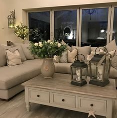 tiny homes interior ideas Cottage Living Rooms, Chic Living Room, Home Living Room, Interior Design Living Room, Living Room Designs, Living Room Decor, Living Room Inspiration, Family Room, House Design