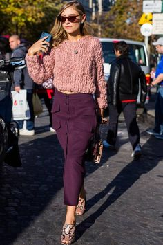 Jenny Walton style: Jenny Walton wearing a Fe jumper and purple skirt Lila Outfits, Purple Outfits, Casual Fall Outfits, Chic Outfits, Winter Mode Outfits, Winter Fashion Outfits, Look Fashion, Autumn Winter Fashion, Womens Fashion