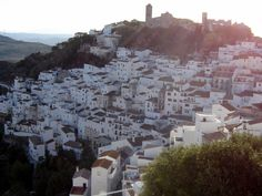 Casares, Málaga © Robert Bovington http://bovington-posts.blogspot.com.es/2011/11/casares-one-of-white-towns-of-andalusia.html