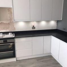 Nero Venata- Hoddesdon, Herts - Rock and Co Granite Ltd Black Quartz, Work Tops, Window Sill, Granite, Cabinet, Kitchen, Clothes Stand, Cooking, Closet