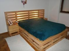 stacked-pallet-bed-with-lighted-headboard