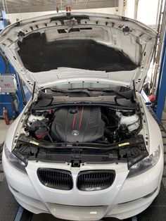 In a parallel universe. Bmw Wagon, Bmw Vehicles, Bmw Love, Engine Swap, Bmw Parts, Theme Days, Parallel Universe, Bmw Motorcycles