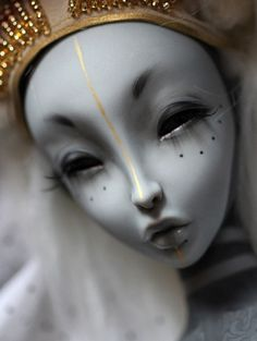 BJD- this art of dolls is mind-blowing. Clay Dolls, Bjd Dolls, Doll Toys, Stuffed Animals, Enchanted Doll, Marionette, Paperclay, Creepy Dolls, Doll Repaint