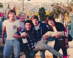 Esse meninos são muito fofos!!  amo eles