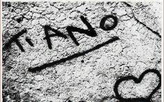 L'ignoranza dialoga! 71 immagini di scritte assurde e divertenti da condividere Scritte sui muri, scritte a mano, annunci assurdi, scontrini improbabili, frasi divertenti, avvisi importanti... e non. Siamo circondati! ...ma a volte ALMENO L'ITALIANO!! Oggi ci divertiamo con un #umorismo #frasidivertenti #scritte #lol