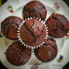 Recetas de puño y letra: Magdalenas de chocolate Oreo Cupcakes, Cupcake Cookies, Chocolate Muffins, Chocolate Cupcakes, Snack Recipes, Dessert Recipes, Desserts, Big Cupcake, Mini Brownies