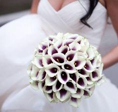 Descubre las mejores ideas y consejos para que aprendas a realizar un bouquet o ramo de novia con calas de una forma muy sencilla y económica.