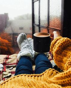Sweater weather is finally here! Cozy Aesthetic, Autumn Aesthetic, Autumn Cozy, Fall Winter, Autumn Feeling, Autumn Coffee, Autumn Photography, New Energy, Hello Autumn