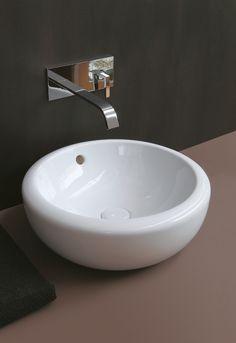Lavabo da appoggio rotondo in ceramica Collezione Fluid by Ceramica Cielo | design Marco Pina #napoli #madeinitaly #caiazzocentroceramiche #prezzofelice #pozzuoli