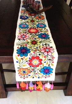 Anthropolgie alike, half the price! $ 149.00 Embroidered table runner Handmade Ivory Multi-color Floral Rectangular Peru Boho