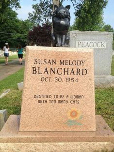 """Morbid Tombstone Jokes That'll Make Your Grandma Roll In Her Grave - Funny memes that """"GET IT"""" and want you to too. Get the latest funniest memes and keep up what is going on in the meme-o-sphere. Funny Fails, Funny Memes, Hilarious, Jokes, Funny Signs, Funny Quotes, Tombstone Epitaphs, Tombstone Sayings, The Last Laugh"""