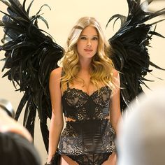 London is known for drama… and we predict Doutzen Kroes & her #VSFashionShow wings will get a standing ovation.