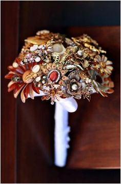 Marvelous 100+ Sparkly Brooch Bouquet Wedding Ideas https://bridalore.com/2017/08/24/100-sparkly-brooch-bouquet-wedding-ideas/