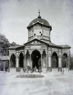 Bardejovske Kupele Old Photographs, Notre Dame, Building, Travel, Viajes, Buildings, Old Photos, Destinations, Traveling