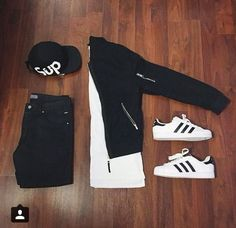 Outfit grid – Black & white – buy mens shoes, casual shoes mens fashion, mens boat shoes Source by marquisburch Outfits With Hats, Mode Outfits, Fashion Outfits, Mens Fashion, Fasion, Fashion Black, Winter Fashion, Outfit Grid, Casual Wear