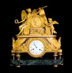 Importante pendule Empire - L'Amour et la Victoire Wall Clock Brands, Wall Clock Online, Wall Clock Luxury, Antique Wall Clocks, French Clock, Big Clocks, Classic Clocks, Retro Clock, Tabletop Clocks