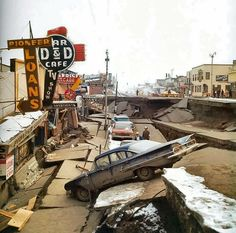 The 1964 Alaska earthquake was a megathrust earthquake that began at PM on Good Friday, Across south-central Alaska, ground fissures, collapsing buildings, and tsunamis resulting from the temblor caused approx. 1964 Alaska Earthquake, Earthquake And Tsunami, Earthquake Damage, Earthquake Disaster, Tornados, Us History, American History, History Pics, Nature