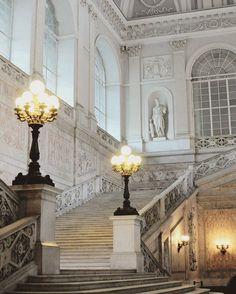 palazzo reale di napoli (pinterest @softcoffee)