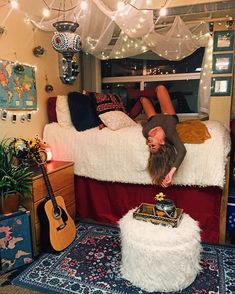 This is one of the cutest dorm room ideas for girls! Cute dorm room ideas that you need to copy! These cool dorm room ideas are perfect for decorating your college dorm room. You will have the best dorm room on campus! Room, Dorm Room Inspiration, Room Inspiration, Girl Room, Dorm Rooms, College Room, Room Decor, Room Inspo, Dream Rooms