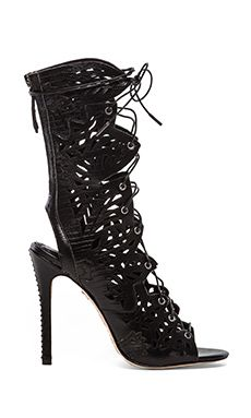 Alice + Olivia Georgia Heel in Preto