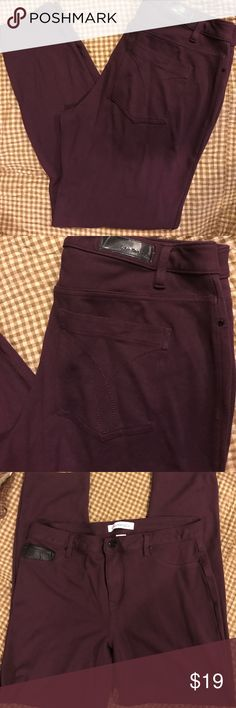 Great pants! Calvin Klein 16/18-Black and Burgundy I can't say enough about these pants! I love them! They have a rather forgiving fit (which is why they are for sale) I wear a smaller size in these than I do in jeans. I did wear these once or twice. They are comfortable and look great. Black faux leather pocket accent on front pocket Calvin Klein Pants