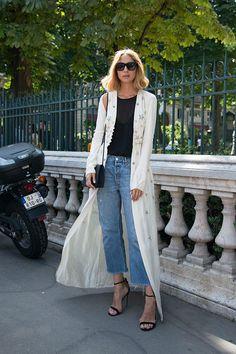 7月3日~7月8日まで行われていた2016年秋冬オートクチュール・コレクションのパリ・ファッション・ウィーク。そこで多くのデザイナー、モデル、ファッションブロガーが着ていたのがデニム。オフランウェイの最旬デニムコーデをご紹介します。                                                                                                                                                                                 もっと見る