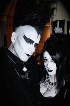 Gothic Jewelry That Looks Like A Million Bucks 80s Goth, Goth Glam, Punk Goth, Punk Outfits, Gothic Outfits, Punk Fashion, Gothic Fashion, Gothic People, Goth Subculture