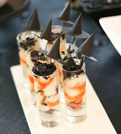 Halloween Parfait Tutorial ~ Be Different...Act Normal  http://frogprincepaperie.com/2011/10/tutorial-bewitching-perfectly-poisonous-parfaits.html recipe  http://miniatures.about.com/od/miniatureprojects/ss/miniwitch_4.htm hat template