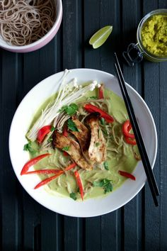 Vegan Thai Green Curry - fabulously healthy vegetarian or vegan entree, made with homemade Thai curry paste | ramsonsandbramble.com