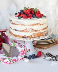 elements For Cake Layers: 1 cup g) unsalted butter, softened 1 cup hundred g) white granulated sugar 8 oz. g) mascarpone. Pudding Desserts, Custard Desserts, Mini Cakes, Cupcake Cakes, Oreo Cupcakes, Frosting Recipes, Cake Recipes, Mascarpone Cake, Tatyana's Everyday Food