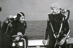 Albert Falco, left, enjoying a moment with famed oceanographer Jacques Cousteau. Falco worked with Cousteau for 33 years, traveling around the globe 14 times. Falco died at the age of Underwater Photos, Underwater Photography, Film Photography, Nature Photography, Street Photography, Landscape Photography, Fashion Photography, Wedding Photography, Paris France