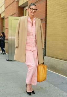 Jenna Lyons—the former J.Crew head—has impeccable style. And these best outfit moments prove it.
