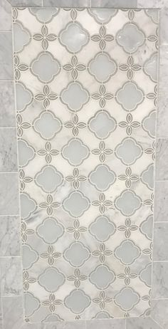 Carrara White Fiore Waterjet Marble and Glass Accent piece for shower Kitchen Splashback Tiles, Backsplash Arabesque, Arabesque Tile, Mosaic Backsplash, Arabesque Pattern, Lantern Tile, Glass Mosaic Tiles, Marble Mosaic, Kitchen Wall Colors