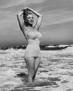 Marilyn at the Beach.⭐