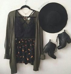 Find and save ideas about fall outfits on Women Outfits. Grunge Outfits, Fall Outfits, Casual Outfits, Summer Outfits, Hipster School Outfits, Summer Clothes, Fashion Mode, Look Fashion, Fashion Outfits