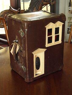 Suitcase Dollhouse: Vintage Suitcase Upcycled into Dollhouse