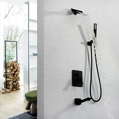 Grifos de lavabo BF-Moderno Arte Decorativa/Retro Modern Colocado en la Pared Cascada Con Termostato LED Válvula Latón 3 Orificios Dos asas de tres agujeros Suministros de limpieza y saneamiento