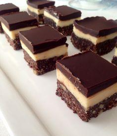 cortaditos-de-galletas-coco-nueces-y-chocolate