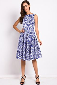 essential-floral-sleeveless-swing-dress