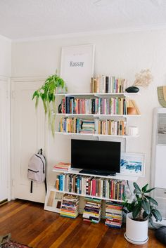 Small Apartment Los Angeles Decor, Eliza Wexelman Home