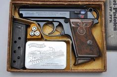 A Nazi Party Leader Walther PPK in its factory box Rifles, Walther Pp, Ww2 Weapons, Pocket Pistol, Shooting Guns, Cool Guns, Le Far West, Guns And Ammo, Self Defense