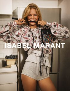 Anna Ewers, German model models printed blouse and shorts for ISABEL MARANT Spring/Summer Ad Campaign. Anna Ewers, Isabel Marant, Fashion Models, High Fashion, Fashion Check, London Fashion, Campaign Fashion, Fashion Advertising, Mode Editorials