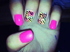 Neon pink, sponge effect, tiger print nail design