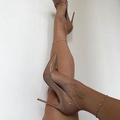 Classy nude pumps Click link in our bio for shopping