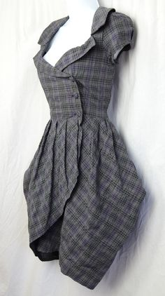 A sensible Tartan dress... for a lady of character and morals in the Exploration Age.