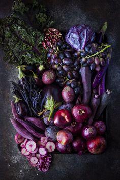Purple Love Vegetables Photography, Fruit Photography, Food Photography Styling, Color Photography, Fruit And Veg, Fruits And Vegetables, Purple Vegetables, Food Styling, Purple Food